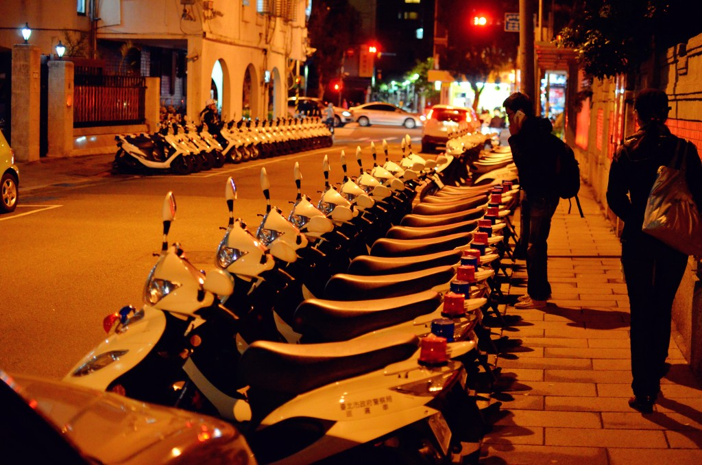 police scooters taking parking neatness to a new level