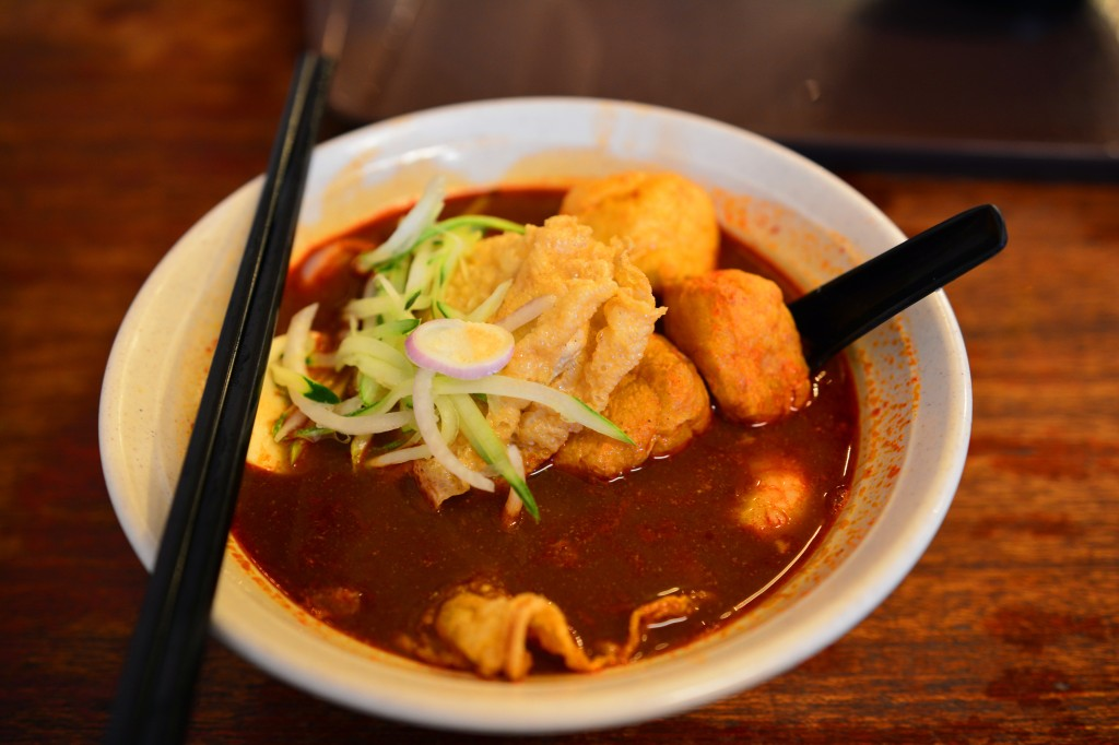 nyonya laksa, less than $2 and delicious