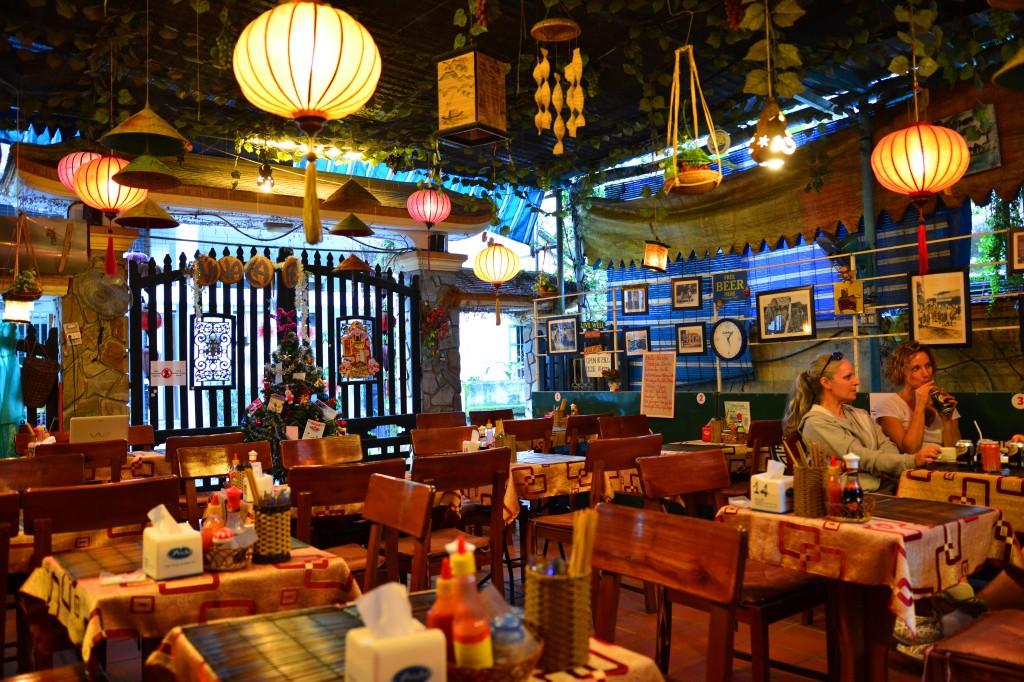 dinner at Na Na's Cafe