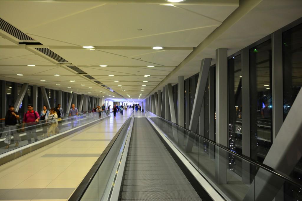 the endless walkway to Dubai Mall