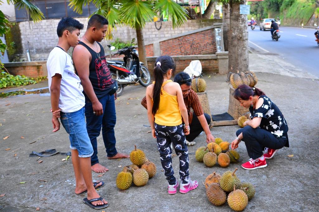 roadside durian shopping
